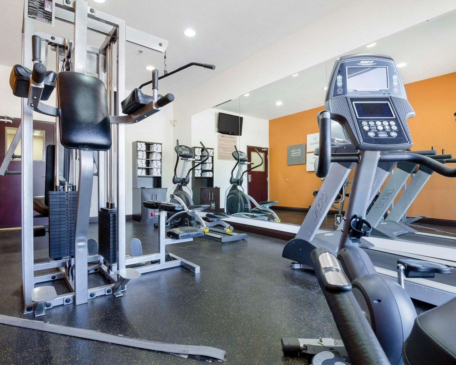 Fitness/ Exercise Room - Comfort Suites Topeka