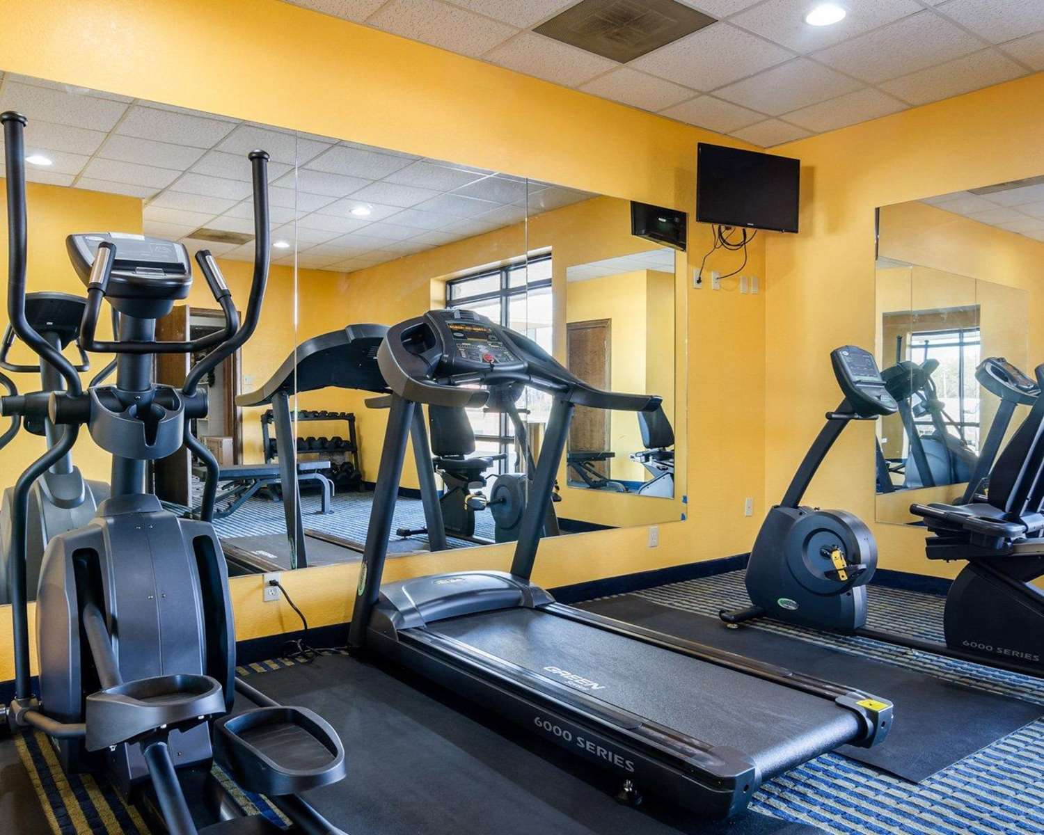 Fitness/ Exercise Room - Quality Inn Liberal