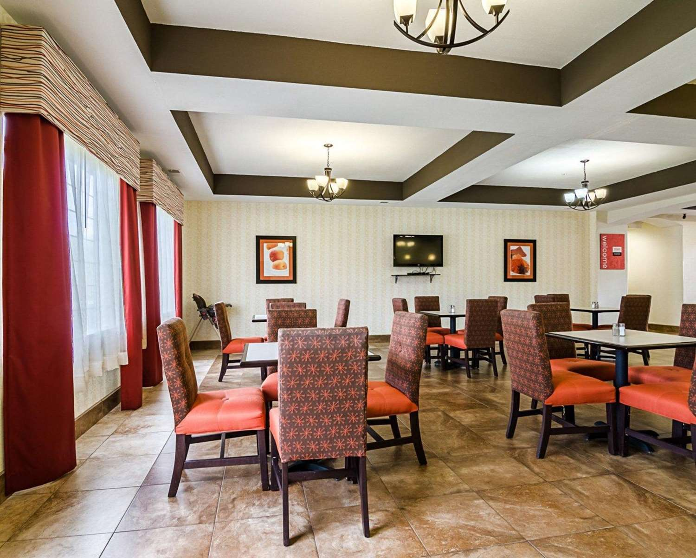 Restaurant - Comfort Inn & Suites Lawrence