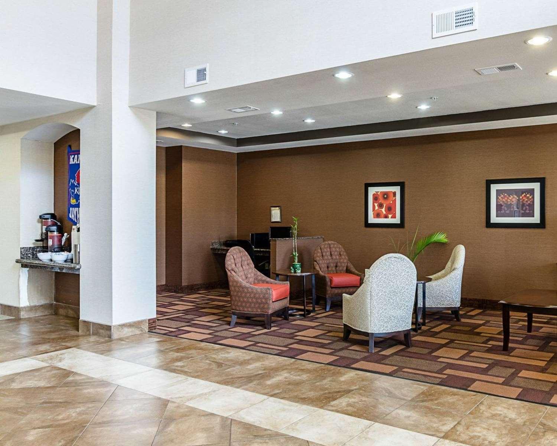Lobby - Comfort Inn & Suites Lawrence