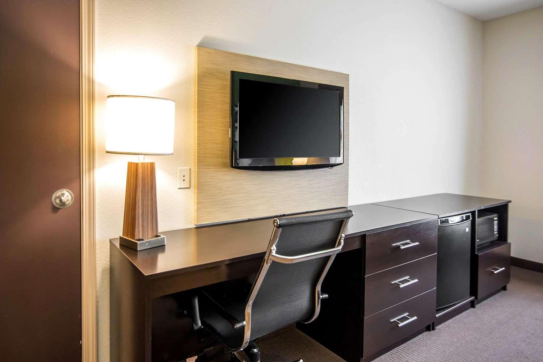 Suite - Sleep Inn & Suites Haysville