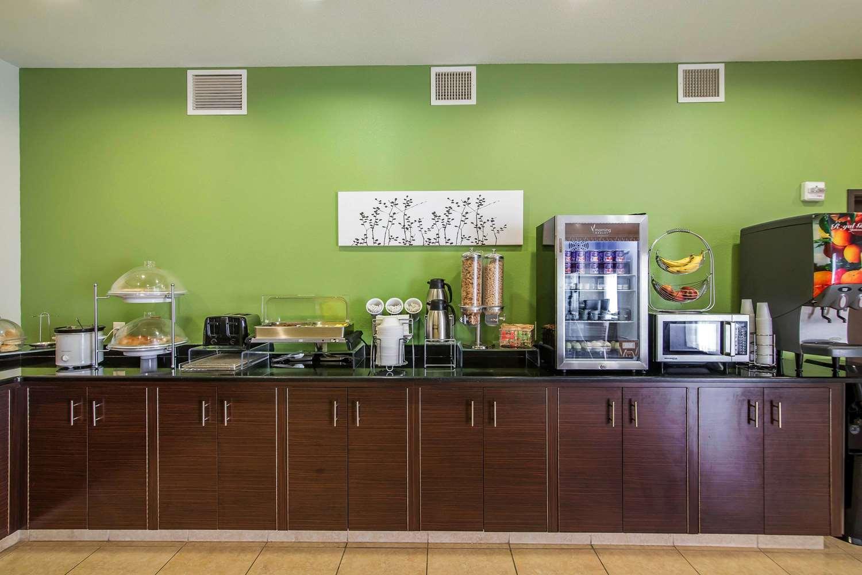 Restaurant - Sleep Inn & Suites Haysville