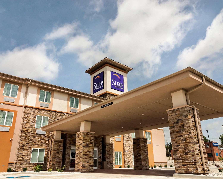 Exterior view - Sleep Inn & Suites Fort Scott