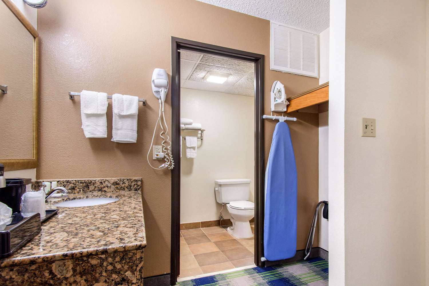 Suite - Quality Inn Arkansas City