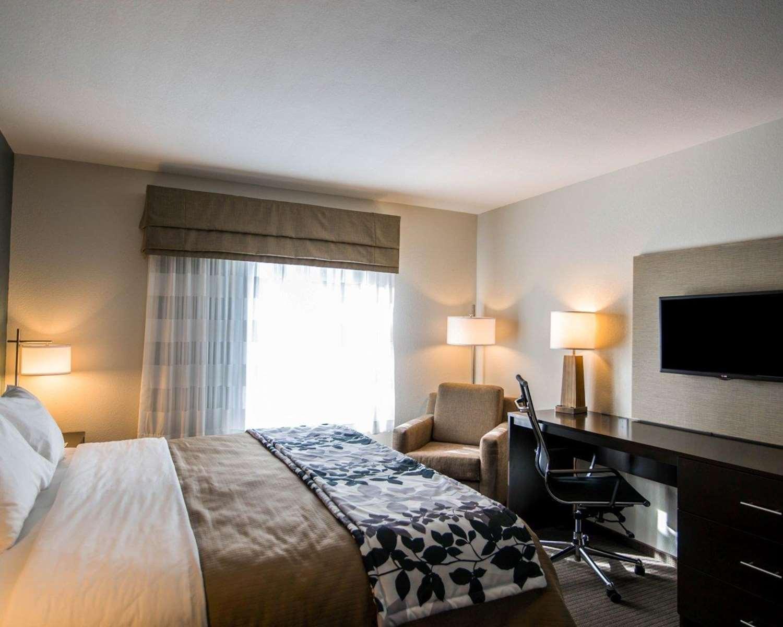 Suite - Sleep Inn & Suites Garden City