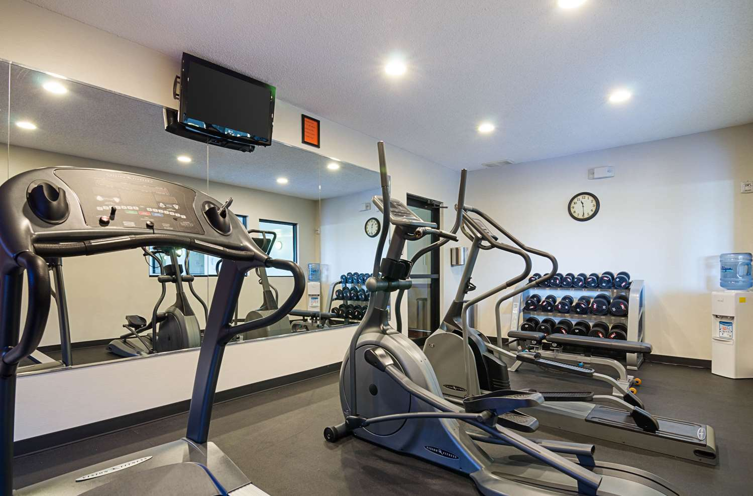Fitness/ Exercise Room - Comfort Inn & Suites Hutchinson