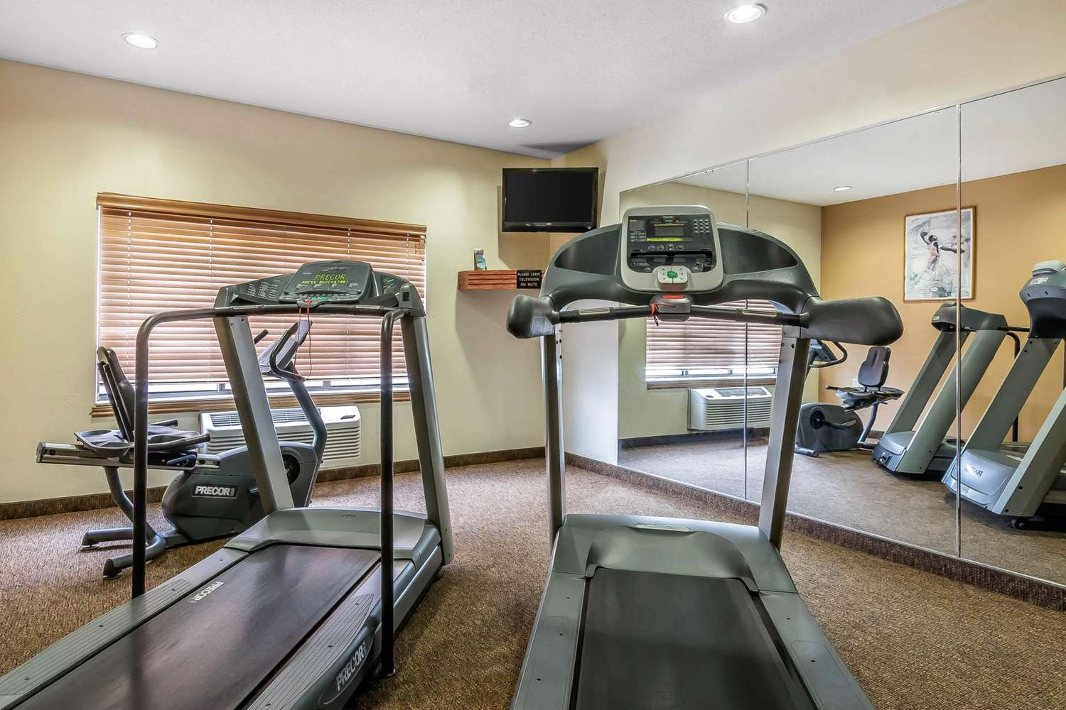 Fitness/ Exercise Room - Quality Inn & Suites Emporia