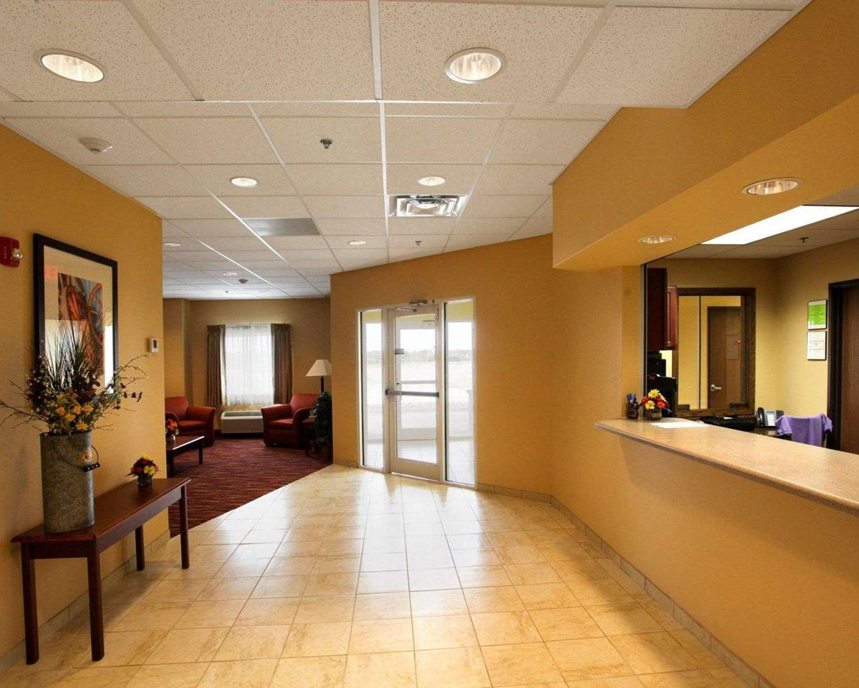 Lobby - Rodeway Inn & Suites Phillipsburg