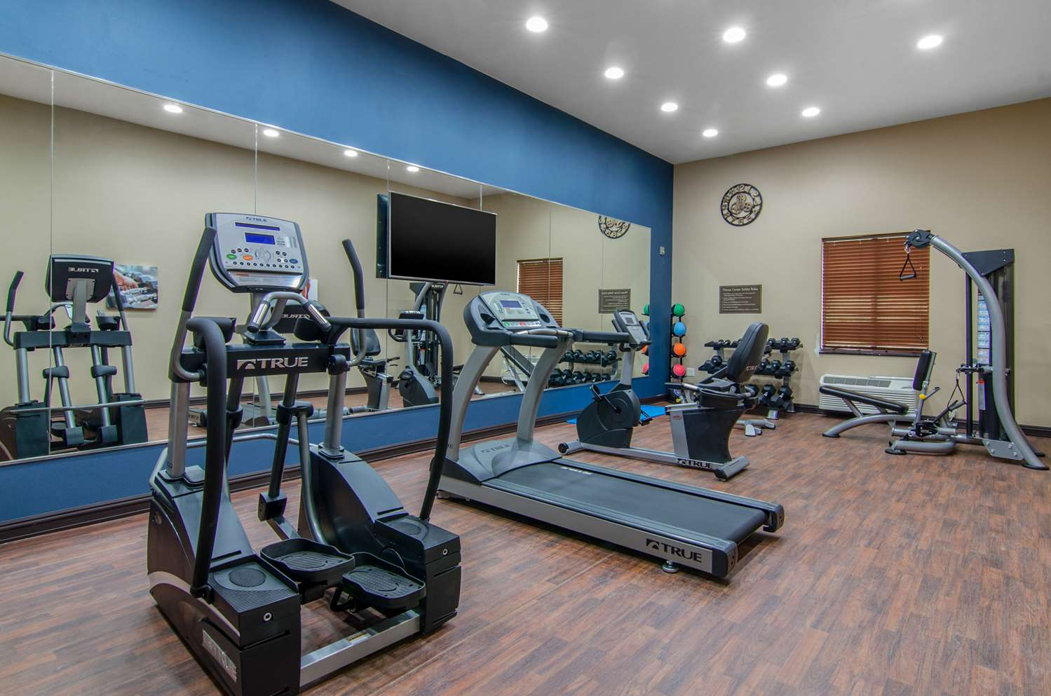 Fitness/ Exercise Room - Comfort Inn & Suites Shawnee