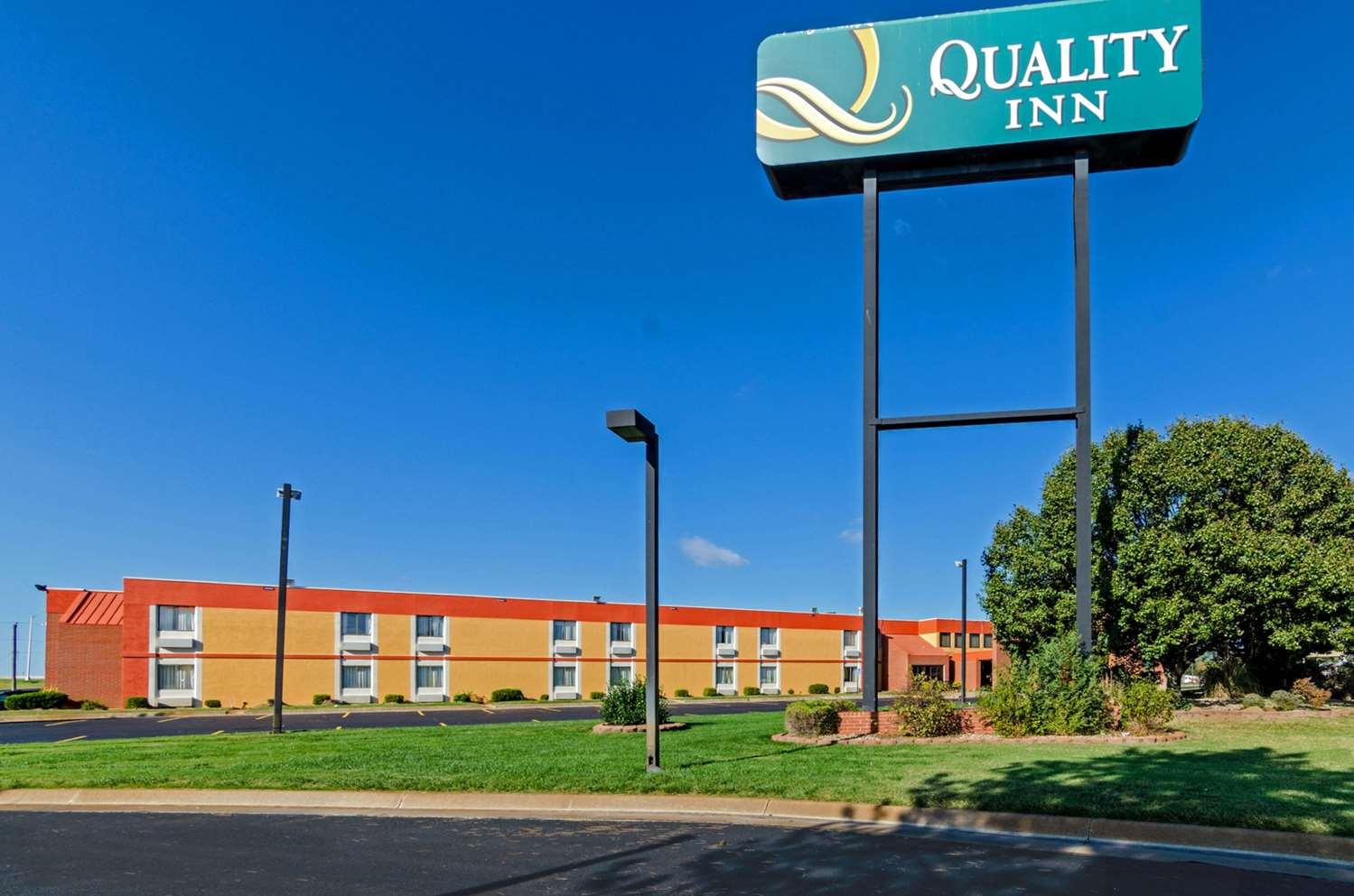 Exterior view - Quality Inn South Wichita