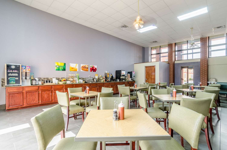 Restaurant - Quality Inn South Wichita