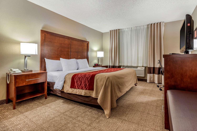 Suite - Comfort Inn & Suites Hays