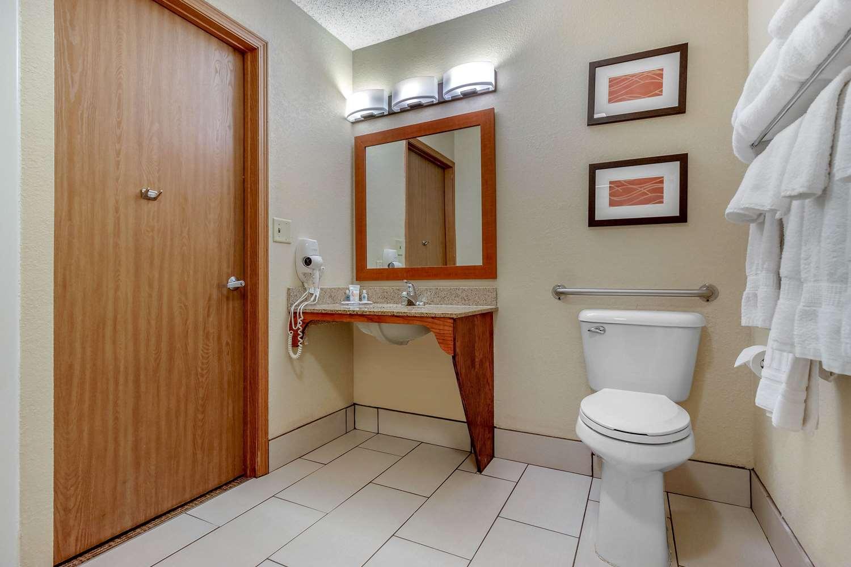 Room - Comfort Inn & Suites Hays