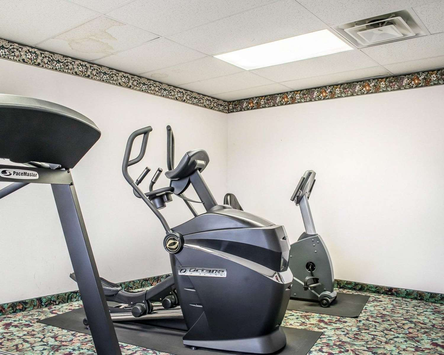 Fitness/ Exercise Room - Quality Inn & Suites Brooks