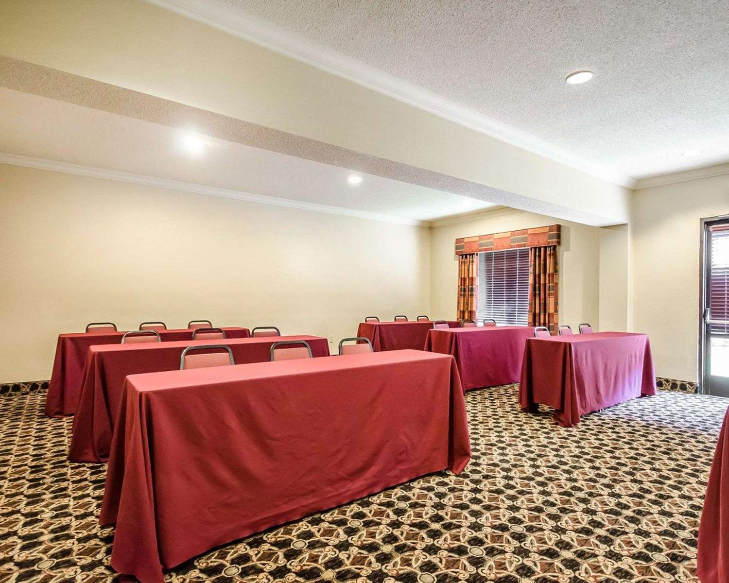 Meeting Facilities - Comfort Suites Prestonsburg