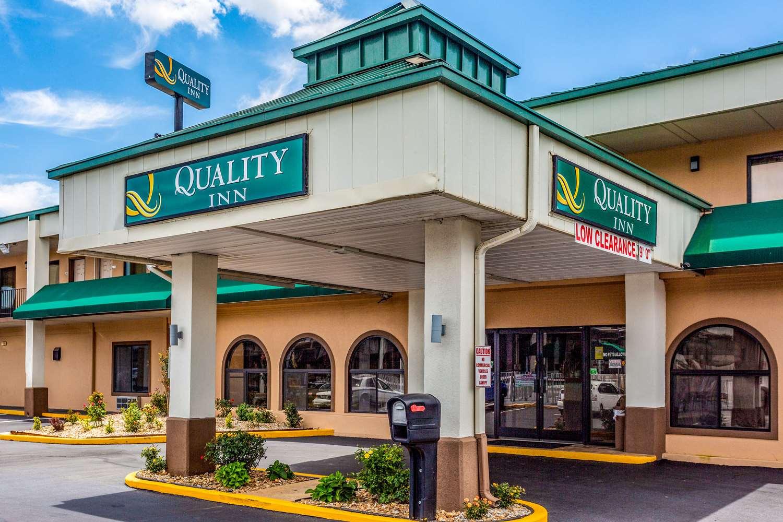Exterior view - Quality Inn Bowling Green