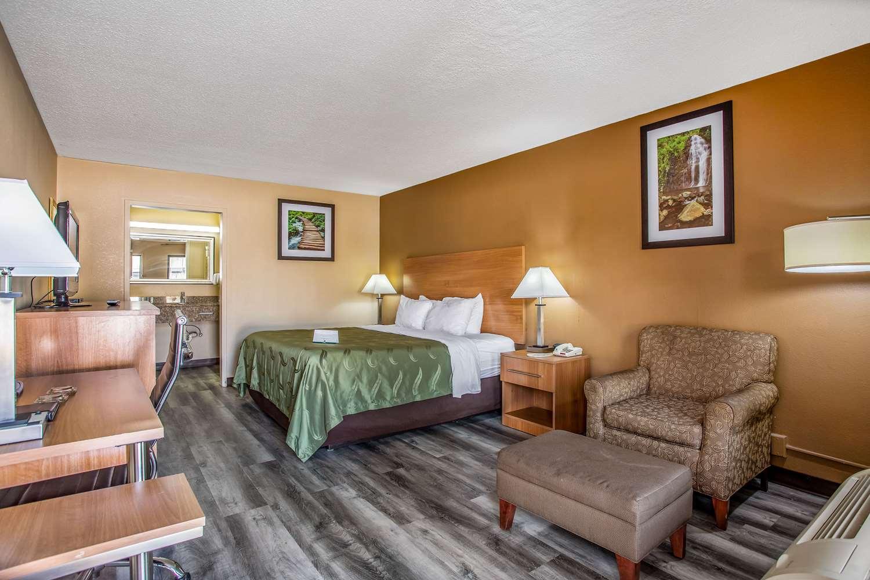 Room - Quality Inn Bowling Green