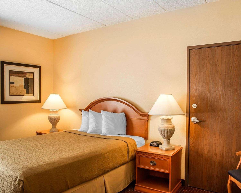 Room - Quality Inn & Suites Erlanger