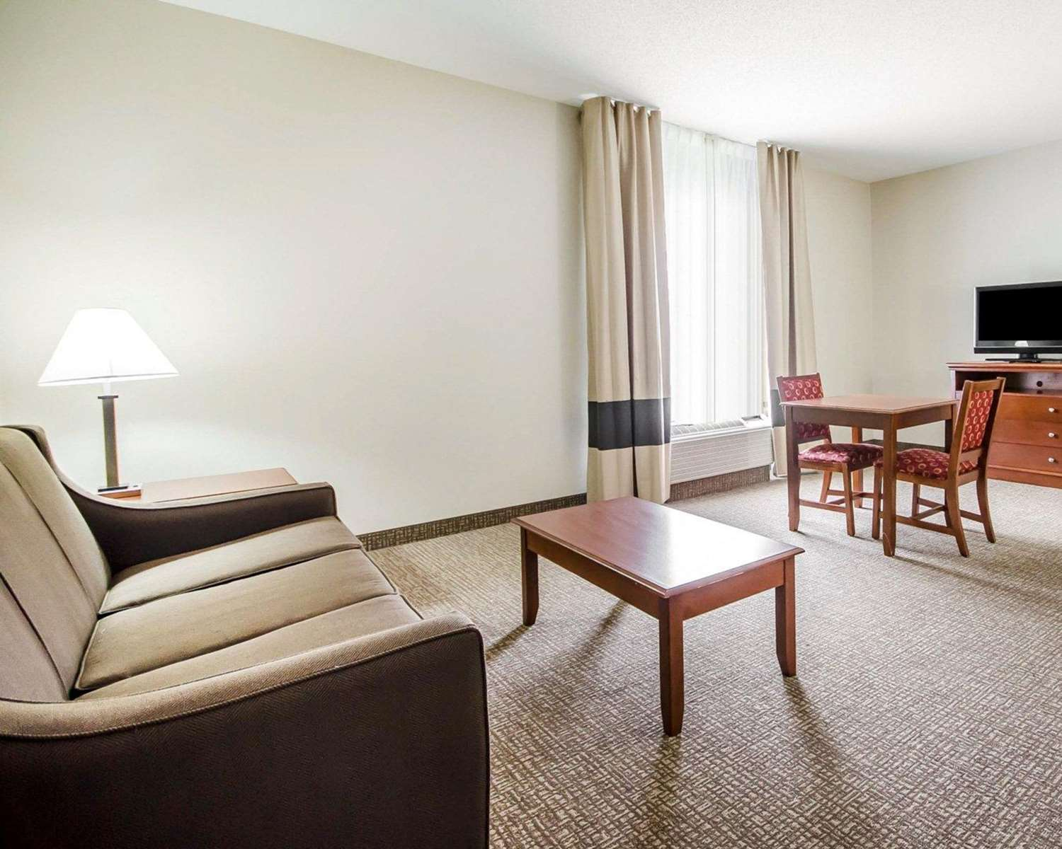 Suite - Comfort Inn Shively