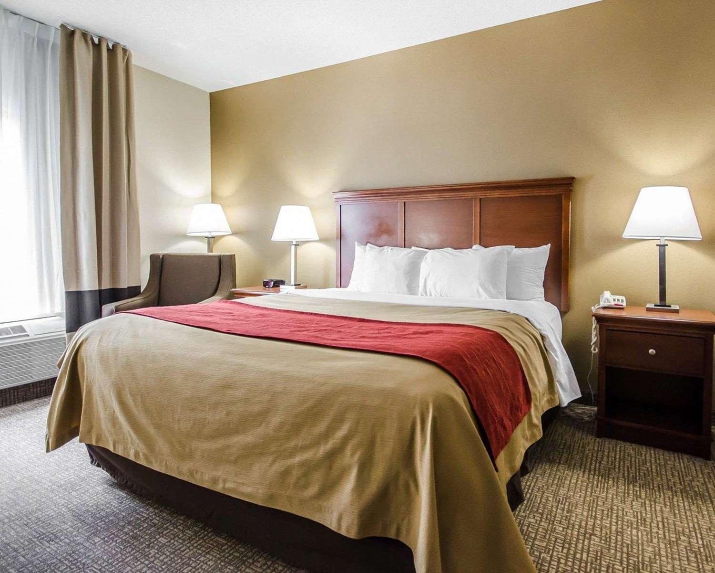 Room - Comfort Inn Shively