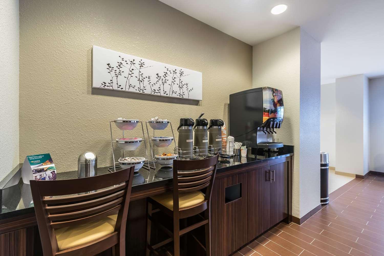 Restaurant - Sleep Inn & Suites Columbia