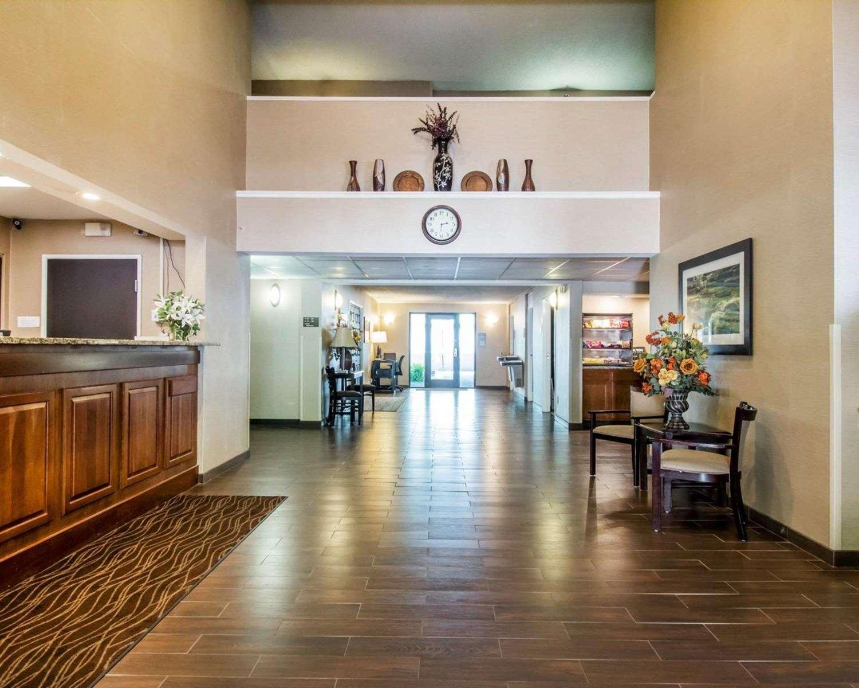 Lobby - Quality Inn Harlan