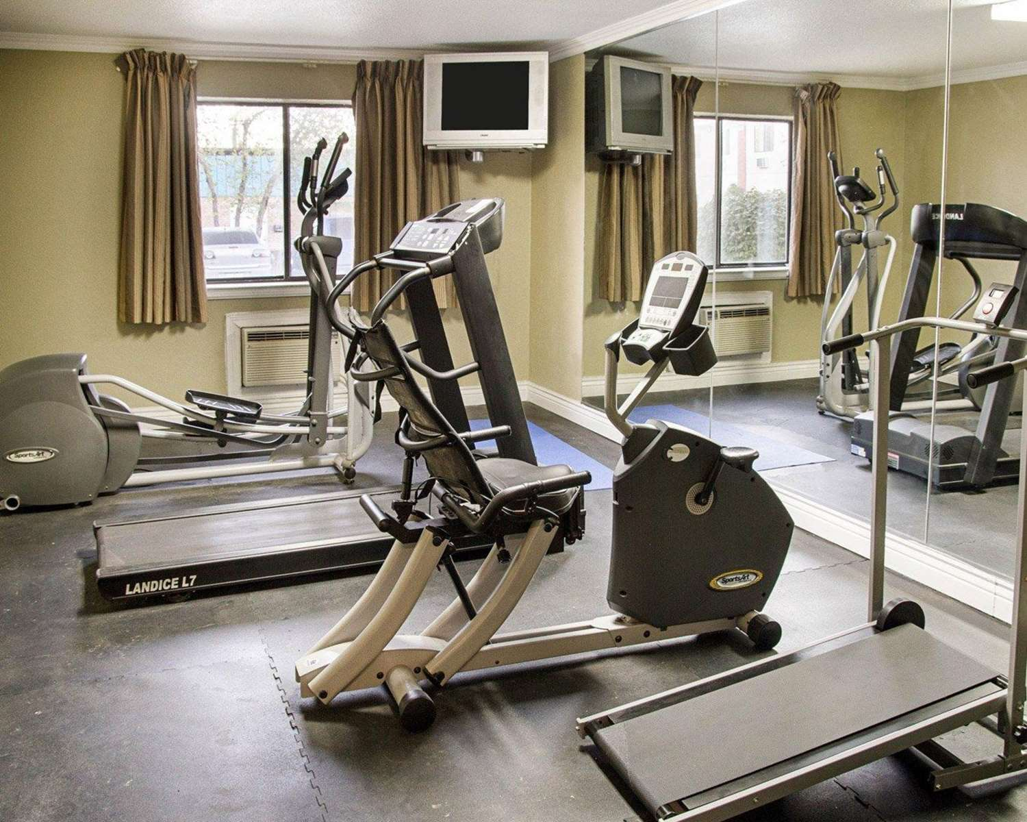 Fitness/ Exercise Room - Rodeway Inn Florence