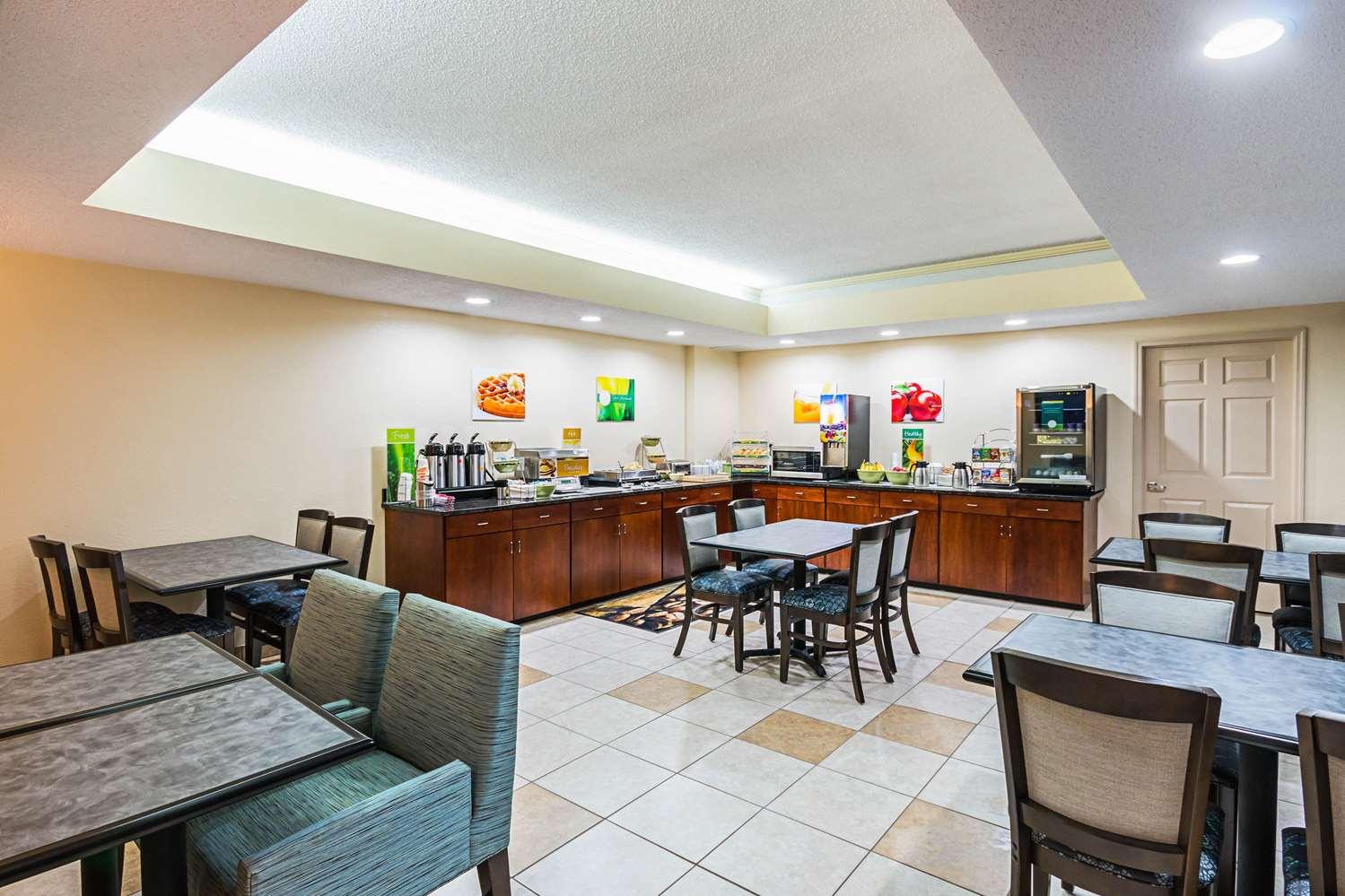 Restaurant - Quality Inn Berea