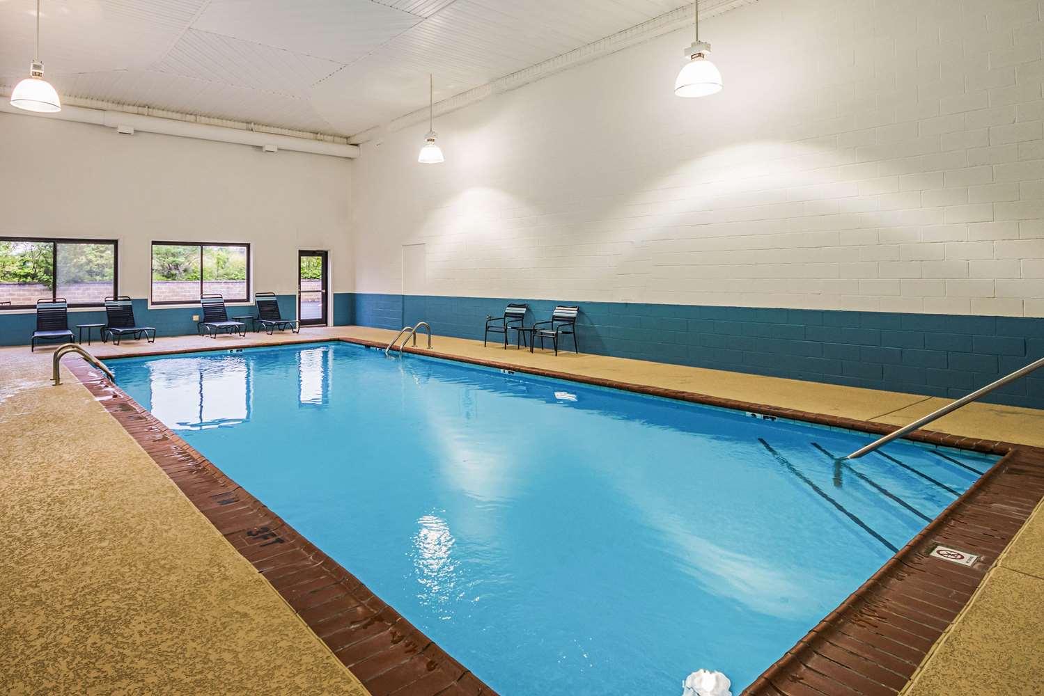 Pool - Quality Inn Berea