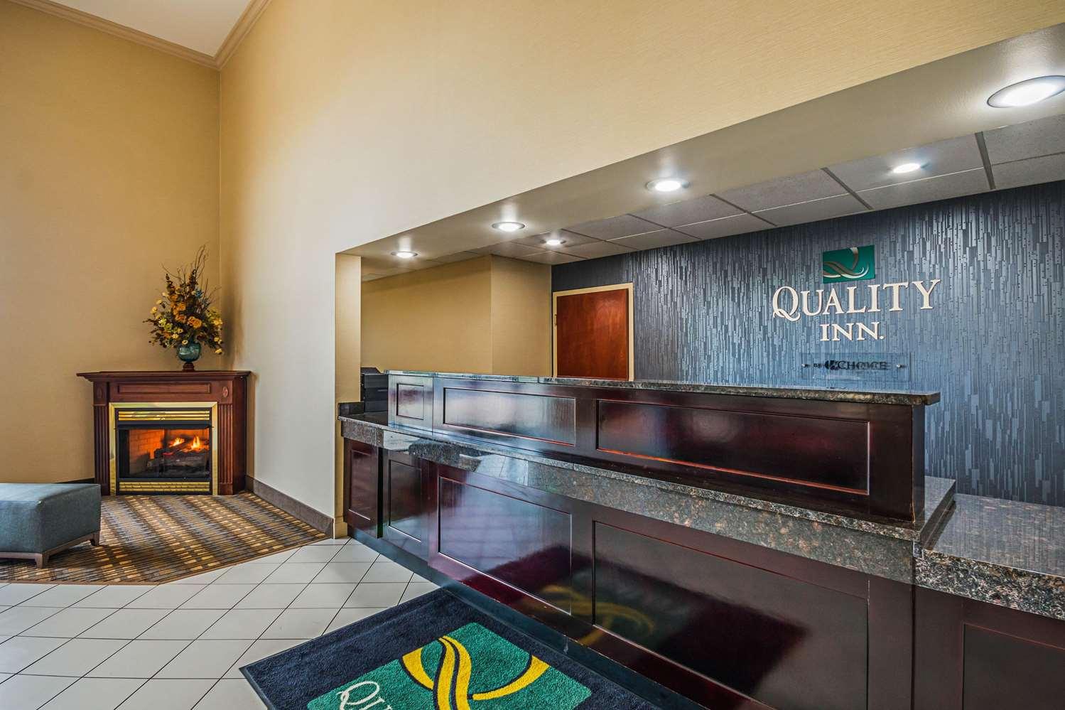 Lobby - Quality Inn Berea