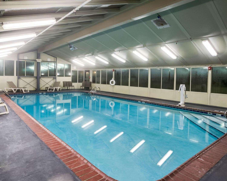 Pool - Comfort Inn Southeast Lexington