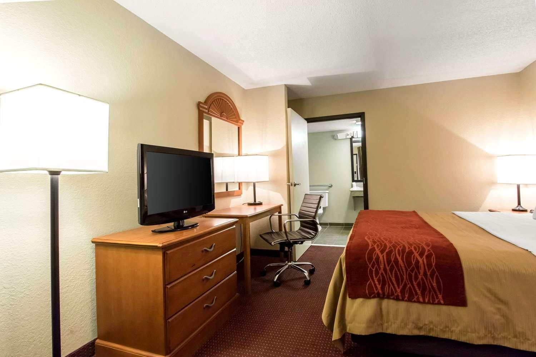 Room - Quality Inn Glasgow