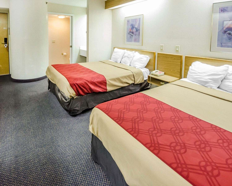 Room - Econo Lodge London