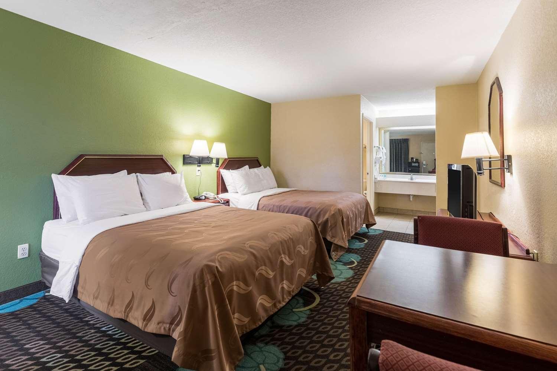 Room - Quality Inn Alexandria