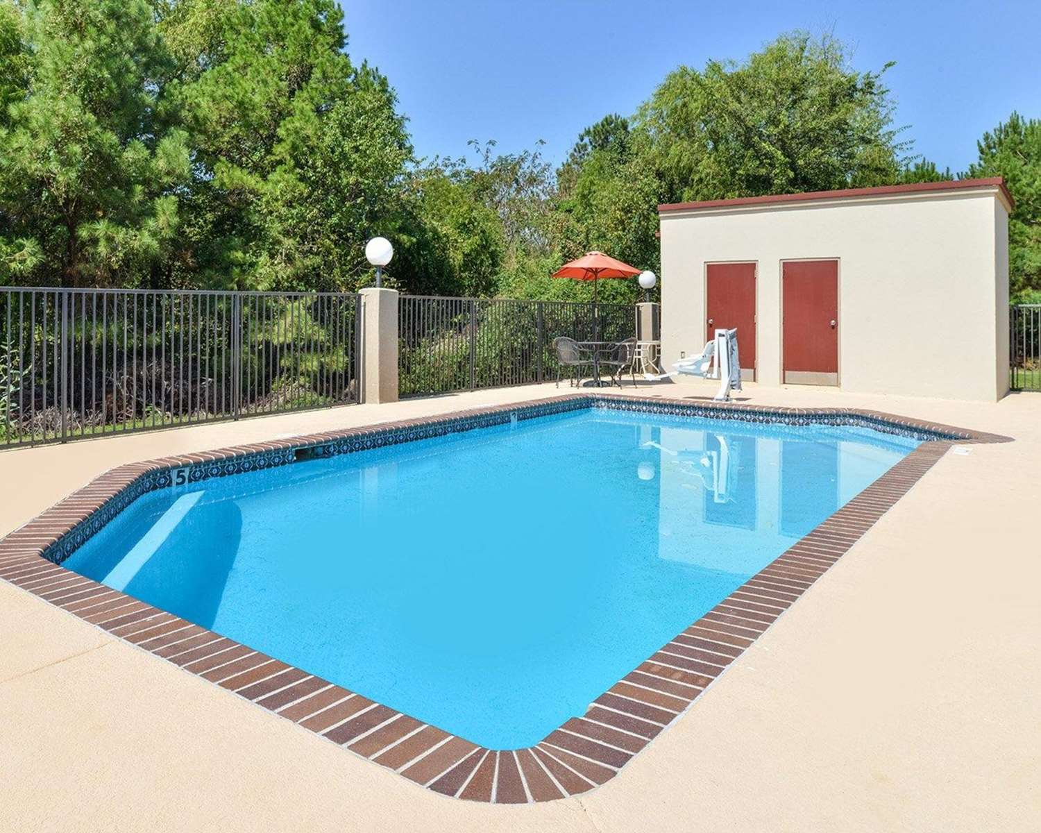 Pool - Quality Inn Natchitoches
