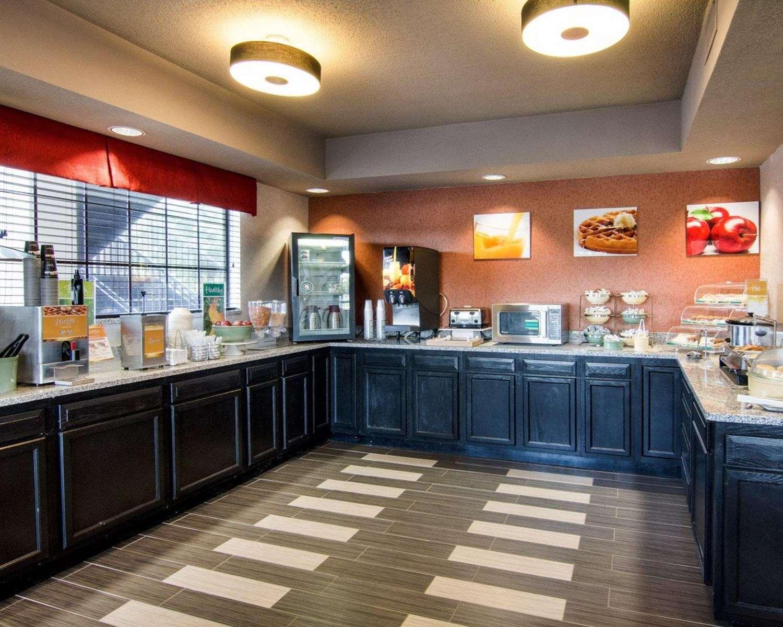 Restaurant - Quality Inn Natchitoches