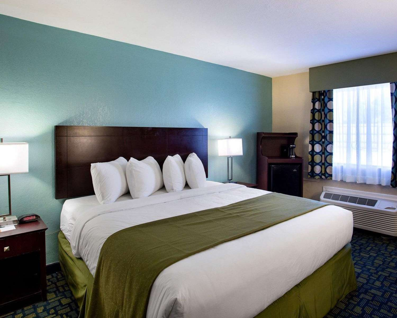 Room - Quality Inn Hammond