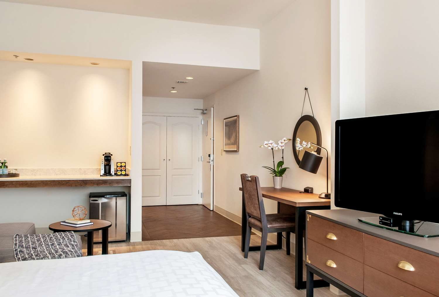 Room - St Charles Coach House Hotel New Orleans