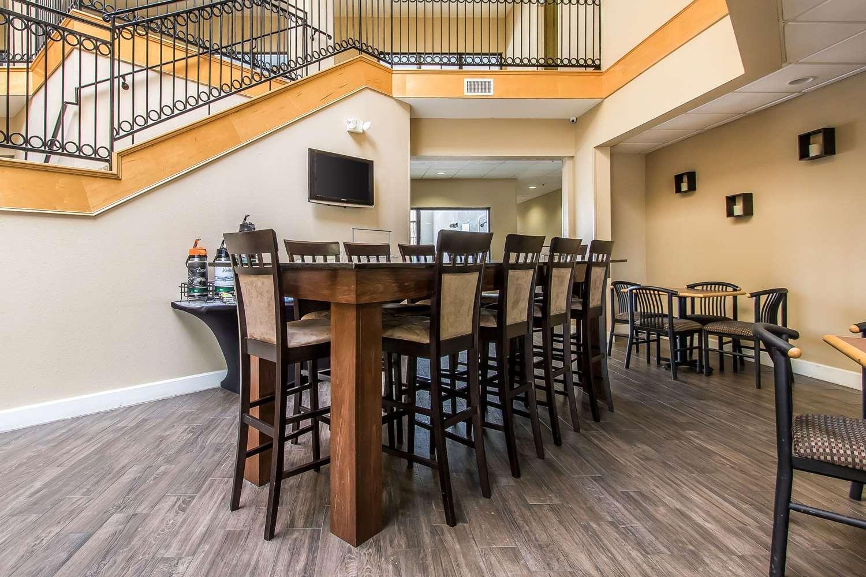 Restaurant - Quality Suites New Iberia