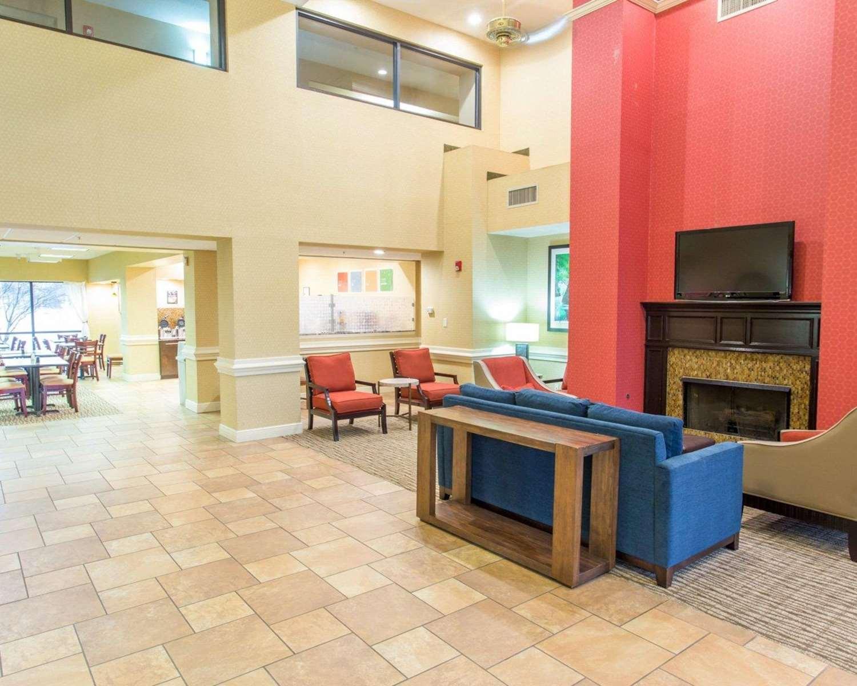 Lobby - Comfort Suites Port Allen