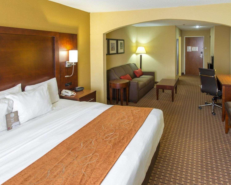 Room - Comfort Suites Port Allen
