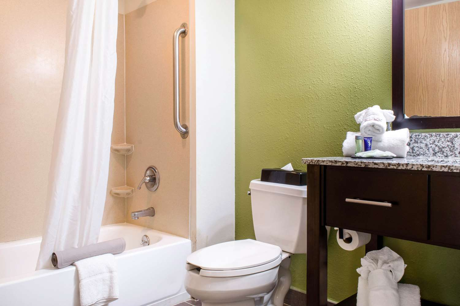 Suite - Sleep Inn & Suites Metairie