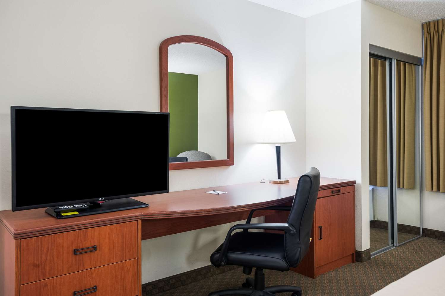 Suite - Quality Inn & Suites Lake Charles