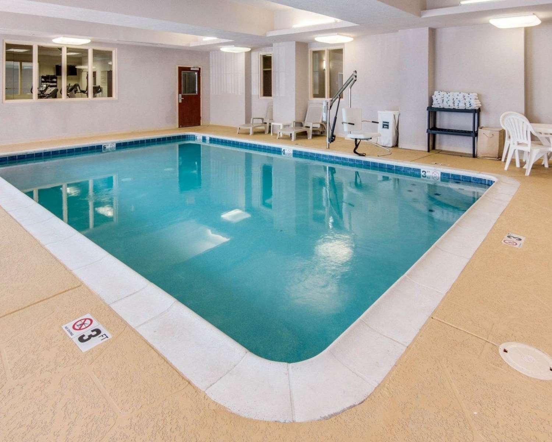 Pool - Comfort Suites Shreveport