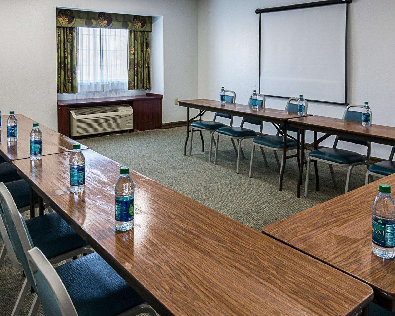 Meeting Facilities - Econo Lodge Natchitoches