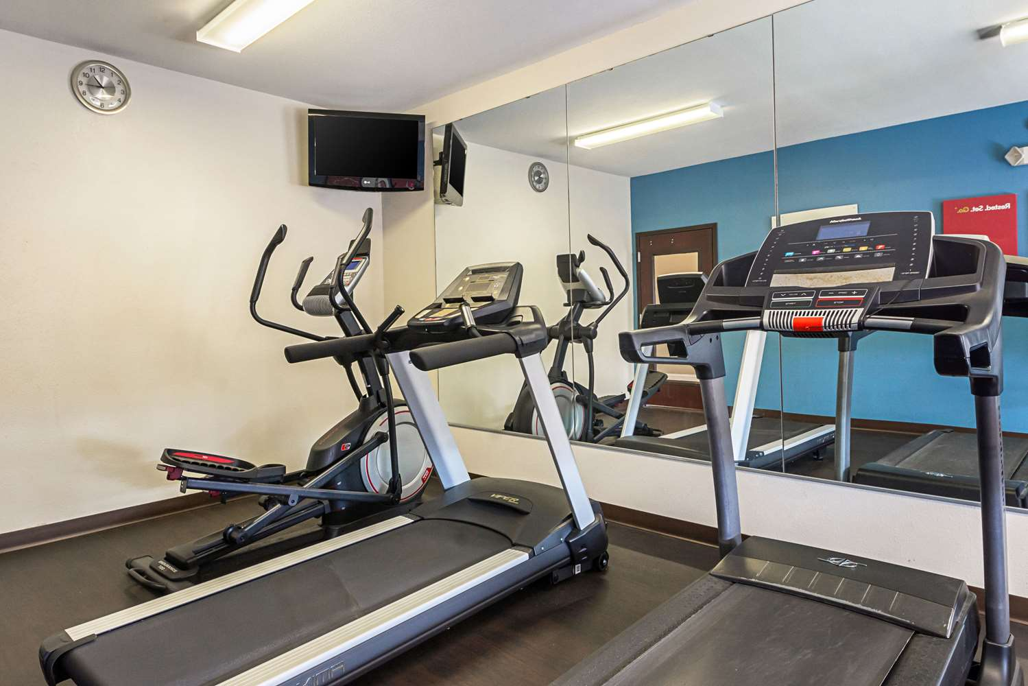 Fitness/ Exercise Room - Comfort Suites Lake Charles