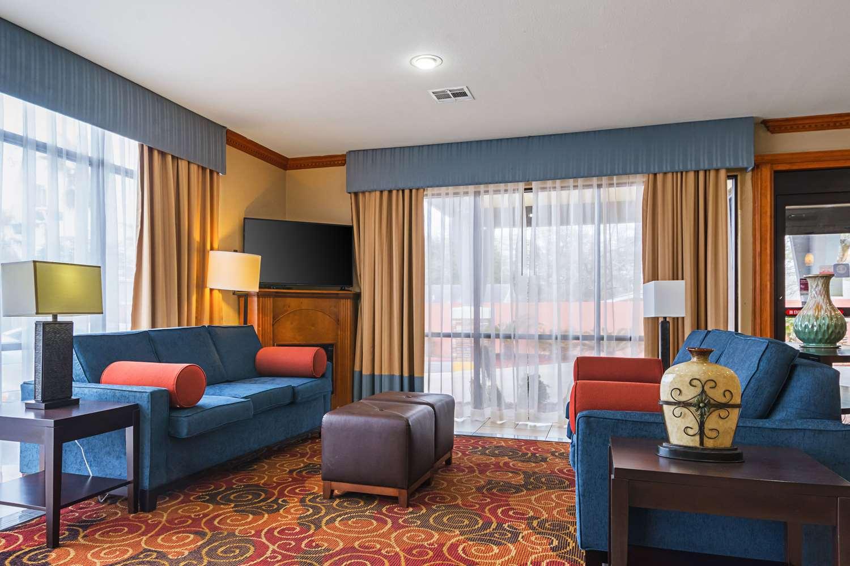 Lobby - Comfort Suites Lake Charles