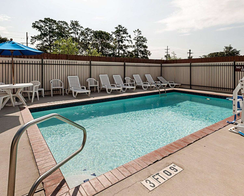 Pool - Comfort Suites Lake Charles
