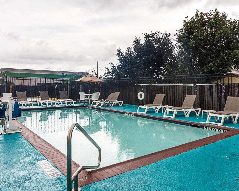 Pool - Comfort Inn Marrero