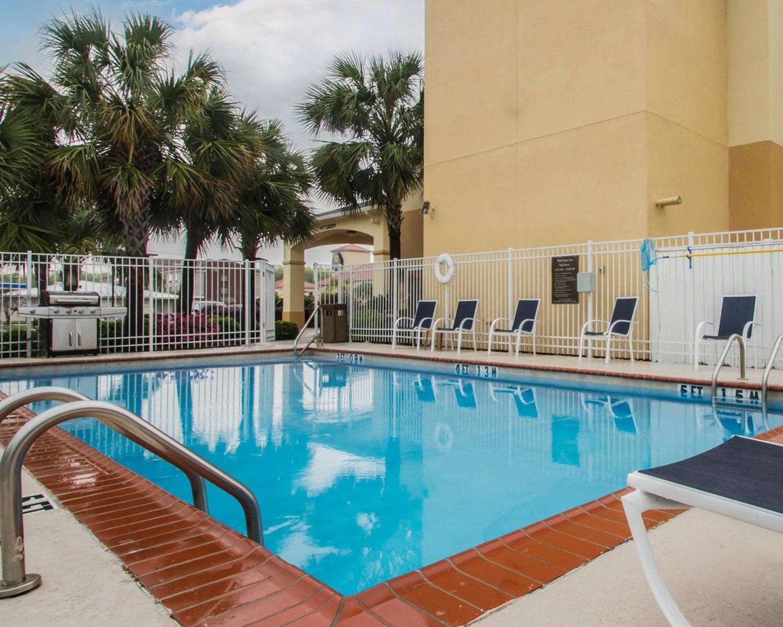 Pool - Comfort Inn & Suites Morgan City